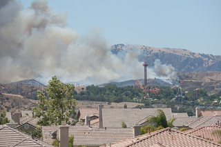 Fire in Valencia around Magic Moutain