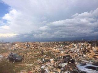 Tornado hits Washington, Illinois