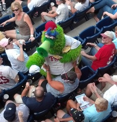 Phillies Phanatic wreaks havoc at Spring Training