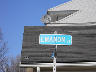 Unique street sign, read it backwards.