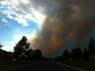 Fire sweeps into Colorado Springs