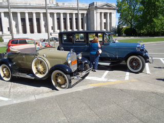 1928 Model A Ford and 1927 Lincoln
