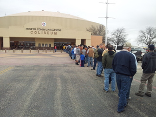 People lined up for Texas gunshow